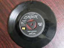 45 RPM VG+ - Johnny Cash London  8956 Come in, Stranger/Guess Things Happen That