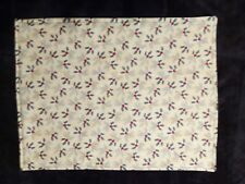 New listing Country Cottage Set/3 Christmas Holly Reversible Quilted Fabric Placemats - New