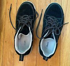 L.L Bean Women Size 7 Medium Black Athletic Walking Fitness Snicker Shoes