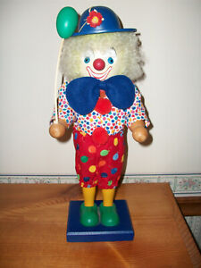 Holzkunst Christian Ulbricht Clown with Balloon Nutcracker-Made in Germany