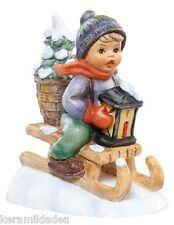 Fahrt in die Weihnacht, Mini Hummel Figur aus dem Winterdorf, M.I. Hummel Mini