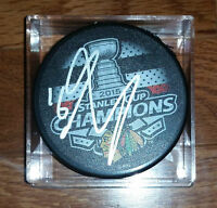 MARCUS KRUGER 'CHICAGO BLACKHAWKS' SIGNED 2015 STANLEY CUP PUCK CHAMPIONS *COA
