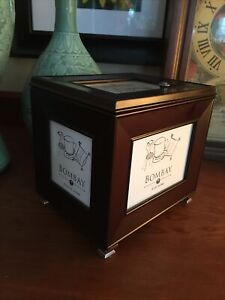 Bombay Company Mahogany Framed Photo Box Storage Display Fits 105 Pictures NOS?