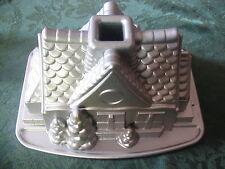 NORDIC WARE GINGERBREAD HOUSE MOLD 9 c. / 2.1 L heavy cast Al Bundt cake pan NEW