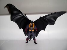 KENNER BATMAN FOREVER DELUXE WING BATMAN FIGURE WITH ACCESSORY