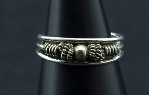 Ring Foot 5 Crown D' Toe Ethnika Anita Adjustable Metallic White W92 8410