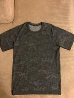 Lululemon Metal Vent Tech Short Sleeve Grey Camo Size Small