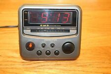 Soundesign AM/FM Electronic Clock Radio (Model No. 3654 MCL)