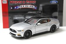 1:18 AUTO WORLD FORD MUSTANG GT 2017 SILVER NEW in Premium-MODELCARS