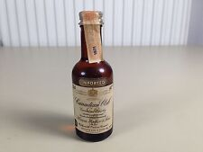 Mignonnette mini bottle non ouverte , whiskey whisky canadian club 1971