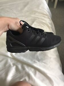 womens Girls Adidas Torsion trainers size 3
