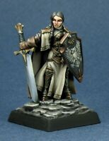 Reaper Miniatures - 03364 - Isabeau Laroche, Female Paladin - DHL