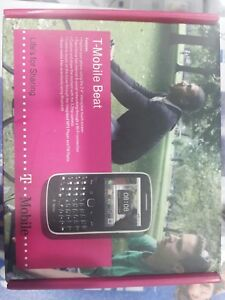 ZTE R3100 HOLLYWOOD MOBILE PHONE - UNLOCKED