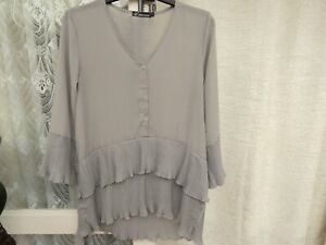 ( Ref 6271 ) L'oliveverte - Size 3 14 16 - Grey Long Sleeve Pleated Blouse / Top