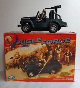 Jeep électrique plastique Aigle Force + personnages métal Ideal USA 1983 boîte