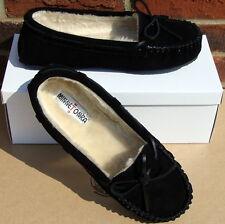 Minnetonka Women's Cally Slipper - Black Suede - 6
