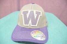 Zephyr Mens NCAA Washington Huskies Stretch Fit Scoreboard Hat Cap NWT Size M/L