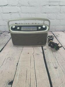 Roberts 928 Classic Radio 3 band presets, mains or battery portable radio Silver