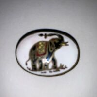 Vtg Brass Handpainted Enameled Elephant Motif Pill Snuff  Tobacco Trinket Box