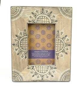 Photo Frame Gray Stained Wood With Delicate Dark Gray and White Design India 4x6