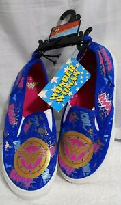 NEW Youth GIRLS Size 2 Wonder Woman Canvas Slip On Shoes Blue