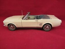 Danbury Mint - 1966 Ford Mustang Convertible  White  VGC  1:24 scale  (418)