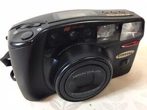 Samsung AF ZOOM 1050 35mm Point & Shoot Camera 38-105mm Zoom + Strap