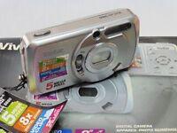 Vivitar Vivicam 5660 Digital Camera - Silver (5MP, 4x Digital Zoom) 2.0 inch LCD
