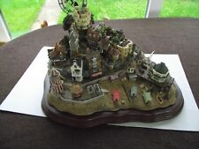 Lilliput lane -Stunning Item  Beside the Seaside  complete with certficate & box
