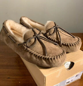 UGG DAKOTA 5612 SIZE 5, DRY LEAF WOMAN'S SLIPPERS/ MOCCASINS AUTHENTIC BRAND NEW