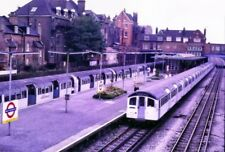 PHOTO  1985 WEST HAMPSTEAD UNDERGROUND RAILWAY STATION LONDON UNDERGROUND TRAINS