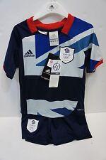 Kids LONDON 2012 Team GB OLIMPICO CALCIO KIT Età 3 - 4 anni nuovo con calze