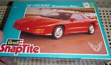 REVELL 1993 REVELL FIREBIRD TRANS AM SNAPTITE 1/25 Model Car Mountain KIT FS