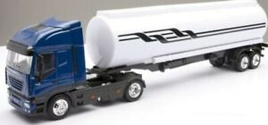 NEW15623 - Truck 4x2 Iveco Stralis Color Green And Tank 2 Axles