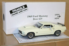 Danbury Mint 1/24 1969 Ford Mustang Fastback BOSS 429 Wimbledon BIANCO MIB NI