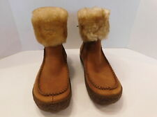 BORN LADIES CAMEL NUBUCK WINTER BOOTS SHEARLING TRIM SIZE 7 M /38