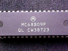 MC68B09P - Motorola Microprocessor, 8-Bit, 2MHz (DIP-40)