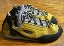 Scarpa Helix Mens Climbing Shoes Size 40.5