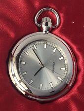 montre style ancienne métal couleur argent rodié quartz aiguille trotteuse