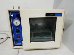 VWR 1410 Laboratory Vacuum Oven