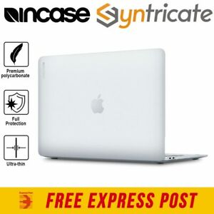 MacBook Air 13 (2020) INCASE Hardshell Dot Cover Case - Clear