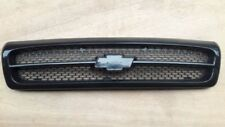 GRILLE PRIME BLACK CHEVY IMPALA SS CAPRICE GM1200450 1994-96 with rubber stripe