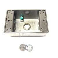 """Hubbell Stahlin Enclosure HW-S755CTWW 7/"""" H x 5/"""" D x 5/"""" W Light Gray Clear Cover"""