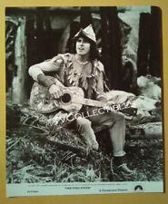 8x10 Photo~ THE PIED PIPER ~1972 ~Pop-singer Donovan w guitar