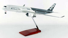 Airbus A350 XWB House Color Carbon 1:100 SkyMarks SKR8804 Flugzeug Modell
