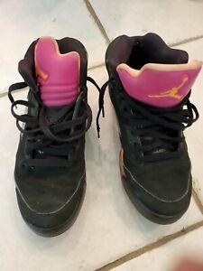 Air Jordan Mens black pink high top tennis shoes size 6Y