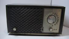 Vintage Zenith Tube Radio H723 Table Top Am Fm Radio