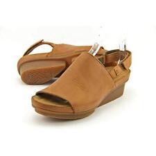 Sandalias y chanclas de mujer El Naturalista color principal marrón