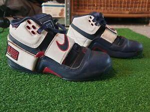 Nike Zoom LeBron Soldier 1 Size 8.5 pre-owned