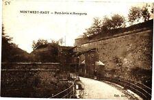 CPA  Montmedy-Haut -Pont-levis et Remparts    (178210)